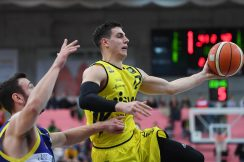 Barmer 2. Basketball Bundesliga  2018/2019  8. SpieltagTigers Tuebingen - Scouting Hagen   09.11.2018 Reed Timmer (re, Tigers) FOTO: ULMER PressebildagenturxxNOxMODELxRELEASExx