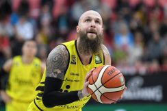 Barmer 2. Basketball Bundesliga  2018/2019  10. SpieltagTigers Tuebingen - VfL Kirchheim Knights   18.11.2018Tyler Amos Laser (Tigers)FOTO: ULMER PressebildagenturxxNOxMODELxRELEASExx