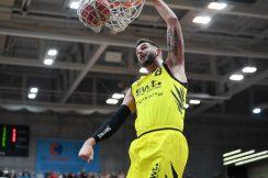 Barmer 2. Basketball Bundesliga  2018/2019  18. SpieltagTigers Tuebingen - Rostock Seawolves      11.01.2019Enosch Wolf (Tigers) beim DunkFOTO: ULMER PressebildagenturxxNOxMODELxRELEASExx