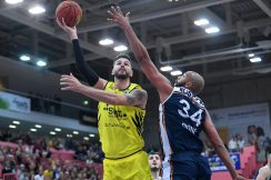 Basketball 2. Bundesliga  19/20: Tigers Tuebingen - Rostock Seawolves